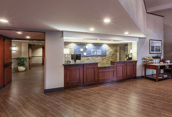 Holiday Express Inn - Level 3 Design Group Portfolio