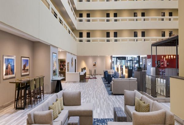 Holiday Inn Denver - Level 3 Design Group Portfolio